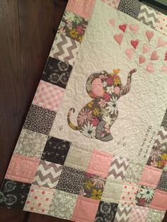 Elephant Quilt - Walker Quilt Co. Quilt Baby, Baby Girl Quilts, Girls Quilts, Children's Quilts, Quilted Baby Blanket, Elephant Quilts Pattern, Elephant Applique, Elephant Baby, Quilting Projects