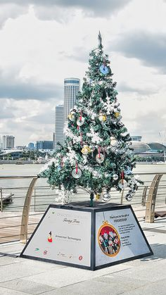 this little christmas tree can be seen at marina bay waterfront for 2014 xmas festive celebration in singapore - Best Christmas Deals 2014