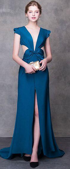 b47efc05499 robe sexy de soirée longue bleu découpé ornée d un noeud papillon