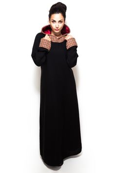 Looking for the perfect winter Abaya to keep you warm and stylish all season long? With its on trend check pattern and cosy hood with satin lining our Creed Abaya is the answer to your winter style needs.