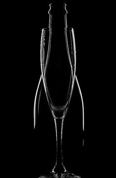 Black and white photography // silhouettes, wine Glass Photography, Still Life Photography, Abstract Photography, Creative Photography, Product Photography, Black N White, Black White Photos, Black And White Photography, Color Black