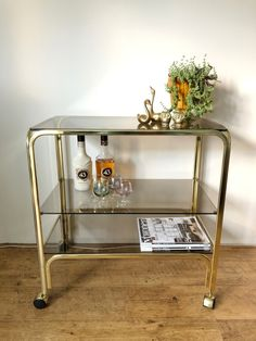 Vintage messing bar cart, serveerwagen Messing, Bar Cart, Furniture, Home Decor, Dessert Table, Interior Design, Home Interior Design, Arredamento, Home Decoration