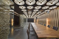 Completed in 2008 in Pamplona, Spain. Images by José Manuel Cutillas. We like the restaurants that change: that every time you go are different ... changing your emotions with the type of event you want, with the...