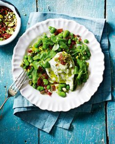 A vibrant minted broad bean recipe showcasing the best of the summer's green veg - with a ball of creamy mozzarella to finish it off. Super Healthy Recipes, Lunch Recipes, Cooking Recipes, Ham Recipes, Savoury Recipes, Broad Bean Recipes, Parma Ham, Nutritious Meals, Yummy Food
