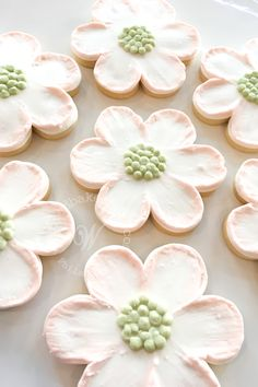 Whipped Bakeshop's custom dogwood flower cookies Inquire today for cookie favors! We ship cookies across the United States Mother's Day Cookies, Super Cookies, Fancy Cookies, Cut Out Cookies, Iced Cookies, Easter Cookies, Cake Cookies, Christmas Cookies, Heart Cookies