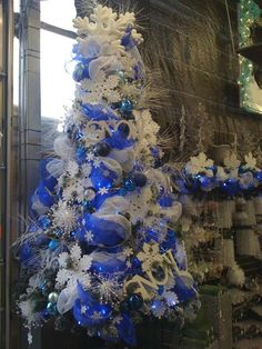 Christmas Tree Decorating »Tips from a pro,  Sow & Dipity