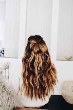 schöne Balayage Haare und Frisuren The most beautiful hairstyles and hair for balayage hairstyles and hair from blonde to dark brown. Pretty Hairstyles, Braided Hairstyles, Hairstyle Ideas, Cute School Hairstyles, Baddie Hairstyles, Everyday Hairstyles, Vintage Hairstyles, Natural Wavy Hairstyles, Straight Hairstyles