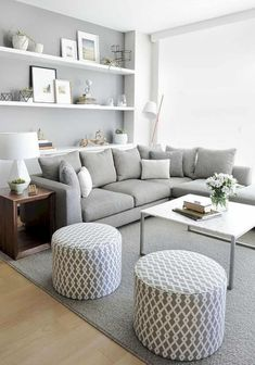 031 insane small apartment decorating ideas for couples small living rooms, modern living room decor Chic Living Room, Living Room Grey, Small Living Rooms, Living Room Modern, Living Room Designs, Living Area, Tiny Living, Simple Living, Interior Design For Small Living Room