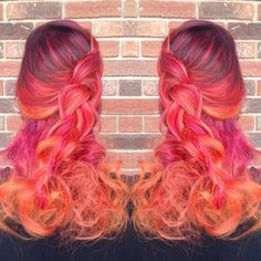 Sunset Hair Has Arrived And It& Drop-Dead Beautiful Funky Hairstyles, Pretty Hairstyles, Hairstyle Men, Formal Hairstyles, Pelo Multicolor, Für Dummies, Pulp Riot Hair Color, Sunset Hair, Fire Hair