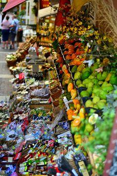 Traditional-Sicilian-Market-at-Taormina  International Travel blog| Visit Taormina, Sicilia  | #Cvetybaby http://cvetybaby.com/taormina/ #sicilia #travel #fblogger #blog #blogger #sicily