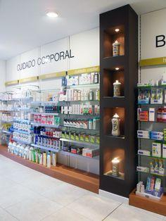 Reforma de farmacia y ortopedia Rufas en Huesca.  Reforma Zarareformas, mobiliario MP Logística y diseño integral.