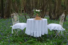 ruffled linen seat covers and tablecloth