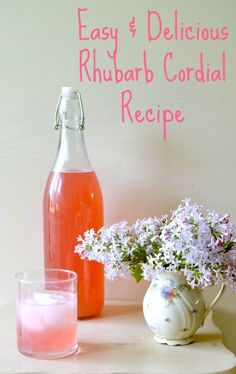 Easy & Delicious Rhubarb Cordial - perfect for a warm summer evening after a day of gardening Rhubarb Recipes, Fruit Recipes, Sweet Recipes, Cooking Recipes, Rhubarb Dishes, Rhubarb Desserts, Non Alcoholic Drinks, Cocktails, Beverages