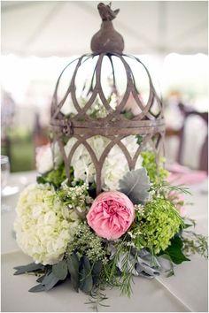 chic wedding centerpiece idea; photo: Godwink Art Photography via Knots Villa