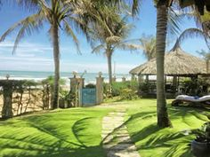 Green Organic Villas, Tien Thanh Beach, Vietnam. Six private villas set in beautiful gardens leading onto the beach organicholidays.com/at/3199.htm Small Luxury Hotels, Green Organics, Luxury Living, Villas, Beautiful Gardens, Vietnam, Golf Courses, Paradise, Beach