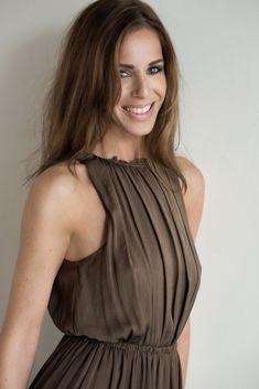 Maren P | ELB MODELS Young Professional, Casual Attire, Women's Fashion, Fashion Tips, Female, Portrait, Dresses, Style, Photographers