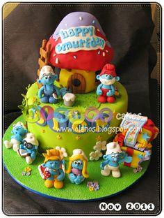 Smurf by olanos cakes