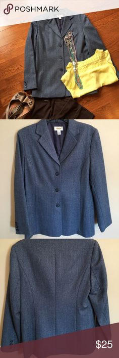 Talbots Women's blazer/jacket Blue - white accent Wear with jeans or with slacks. Talbots Women's blazer/jacket Blue - white accent. Super cute!! 💥 Size 8. Excellent condition. Talbots Jackets & Coats Blazers