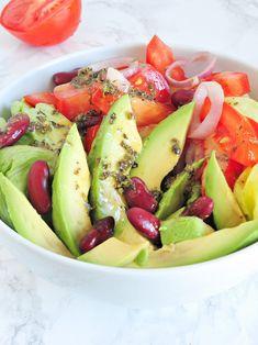 Avocado and red bean salad Rice Recipes, Pork Recipes, Vegan Recipes, Dessert Recipes, Cooking Recipes, Desserts, Red Bean Salad, What Are Organic Foods, Grain Salad