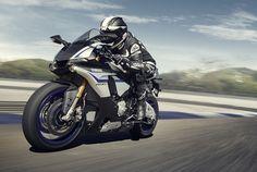 Au salon de la moto EICMA, à Milan, Yamaha a su attirer les visiteurs avec de nombreuses nouveautés, parmi lesquelles la YZF-R1 revue et corrigée.