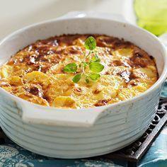 Meatless Sliced Potato and Onion Casserole Best Egg Recipes, Veggie Recipes, Wine Recipes, Vegetarian Recipes, Cooking Recipes, Healthy Recipes, Onion Casserole, Squash Casserole, How To Cook Potatoes