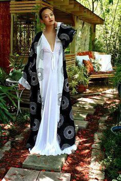 100% Cotton Kimono Robe Reversible Black and by SarafinaDreams