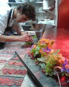 Carpaccio de Lomito con Aceite de Humo y Hierbas Mesclum de Lechugas y Brotes. #venezuela #gastronomia #venezuelagastronomica #chefstalk #cooking #cheflife #foodgasm #food #lovecook #goodfood #art #gastroart #truecooks #foodporn #foodstagram #venezuela #gastronomy #gourmet #foodart #cook #chefoninstagram #chefroll  #táchira #Chefinprogress #gastronomy #food #foodstyling #gourmet #art #artofplating #foodstagram #gourmetart #chefstalk #chefsroll #theartofplating #gastroart by henderpmunera