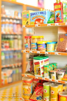 Convenience-Store-031 | Flickr - Photo Sharing! Miniature Crafts, Miniature Houses, Miniature Food, Miniature Dolls, Barbie Food, Doll Food, Clay Miniatures, Dollhouse Miniatures, Accessoires Lps