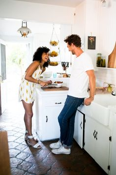 7 Fun Ideas for a Date Night at Home — Apartment Therapy (Kitchn Hollywood Homes, North Hollywood, Jacuzzi, Apartment Therapy, Apartment Chic, Apartment Ideas, Week End En Amoureux, Making A Relationship Work, Location Villa
