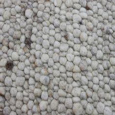 Vloerkleed Marina gemaakt van 100% scheerwol in diverse kleuren leverbaar.