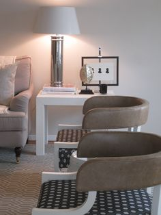Were so in love with Thom Filicia's fun rendition of the klismos chair! Kapito Muller Interiors
