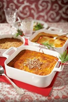 Helppo porkkanalaatikko   K-ruoka #joulu Finland Food, Carrot Casserole, My Favorite Food, Favorite Recipes, Finnish Recipes, Oven Dishes, Rice Dishes, Scandinavian Food, Good Food