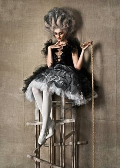 Baroque Fashion and Art Pretty Tim Walker, Foto Fashion, Fashion Art, Fashion Portraits, Burlesque, Photoshoot Inspiration, Style Inspiration, Editorial Photography, Fashion Photography