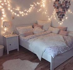 Creative ways Fairy lights bedroom ideas teen room decor Bedroom Decoration decorative lights for bedroom Teen Bedroom Designs, Bedroom Decor For Teen Girls, Cute Bedroom Ideas, Teen Room Decor, Room Ideas Bedroom, Awesome Bedrooms, Trendy Bedroom, Girl Bedrooms, Design Bedroom