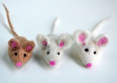 Felted Christmas Mice - Christmas Crafts