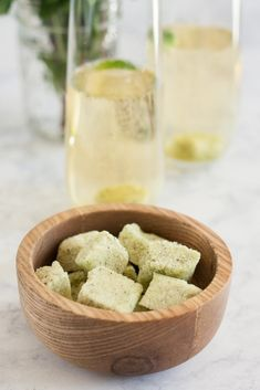 A sparkling mint julep is a unique champagne cocktail recipe! Perfect for a party drink with make ahead homemade sugar cubes, easily served as a mocktail Cocktail Jars, Champagne Cocktail, Cocktail Making, Cocktail Recipes, Cocktails, Sparkling Grape Juice, Mint Extract, Mint Plants, Mint Recipes