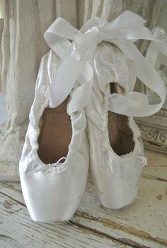 https://scontent-a-ams.xx.fbcdn.net/hphotos-frc3/t1.0-9/1897973_293842787430820_427151003_n.jpg Point Shoes
