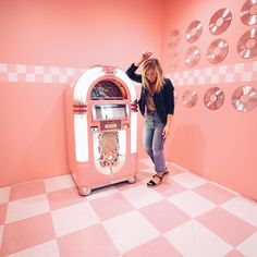 New vlog is up exploring San Fransisco and the new Museum of Ice Cream (link in bio) Comment your favorite ice cream flavor below⬇️ Mine is mint & chip! #sanfrancisco #museumoficecream