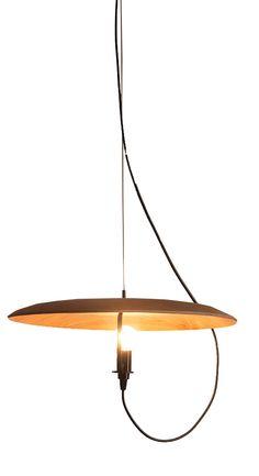 Un plato de madera como #lámpara, todo es posible con Lamp It! 79.90€ Fragments Bcn #decoracion #iluminación #lámpara #diseño #lámparadediseño #DIY #Barcelona #lamparacolgante #lamparadetecho #design #lighting #lamp #pendantlamp #designlamp #homedecor