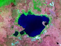 Nice places to live are nice places to visit. With Lake Naivasha tourism taking a hit due to pollution, a social enterprise has cooked up a plan to clean up the lake and provide cheap meals to local villagers.  https://goodtourismblog.com/2017/06/pollution-kenya-lake-naivasha-tourism/  #GoodTourism #tourism #pollution #Kenya #socialenterprise #energy