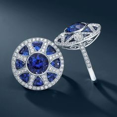 From The Great Gatsby Collection, Art Deco-style rings with tanzanites, sapphires and diamonds. Art Deco Jewelry, Jewelry Box, Vintage Jewelry, Fine Jewelry, Jewelry Necklaces, Women Jewelry, O Grande Gatsby, Do It Yourself Jewelry, Tiffany And Co