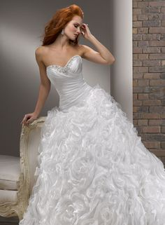 Large View of the Nivia Bridal Gown