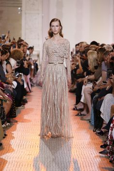 Welcome to the world of ELIE SAAB  discover the latest Haute Couture and  Ready to Wear Collections, Accessories, Shows, Celebrities, Backstage and  more. c4c57396d4