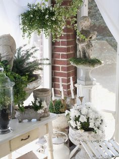 d3b155cdfa2 Perfecting your own shabby chic style doesn't have to be a daunting task.