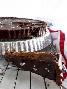 Tarta de chocolate, dulce de leche y sal. Una combinación imbatible.