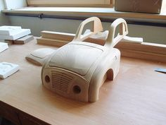 Wooden toys are made to be in children's corner. They are in use of shoe muzeum situated at 14 Wooden Toy Cars, Wood Toys, Wood Projects For Kids, Projects To Try, Wood Car, Cardboard Car, Toy Trucks, Diy Toys, Door Design
