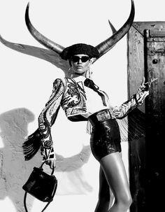 Title: Kiss of the Matador Magazine: Vogue Japan March 2012 Model: Bianca Balti Photographer: Giampaolo Sgura Stylist: Anna Dello Russo Bianca Balti, Fashion Foto, High Fashion, Womens Fashion, Crazy Fashion, Tribal Fashion, Vogue Japan, Editorial Photography, Fashion Photography