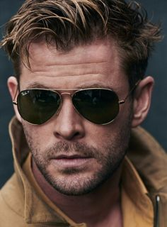 Chris Hemsworth covers GQ Spain June 2019 by Matthew Brookes - fashionotography Chris Pratt, Chris Evans, Chris Hemsworth Thor, Chris Hemsworth Torse Nu, Jake Gyllenhaal, Tom Holland, Ray Ban Sunglasses, Sunglasses Women, Trending Sunglasses