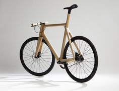 Wooden bike by Paul Timmer. More info @ www.paultimmer.nl