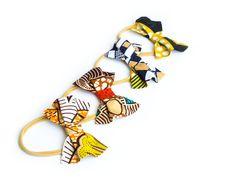 Ankara Baby Headband Bow, African print Headbands for babies and toddlers African Babies, African Children, Baby Hair Bows, Baby Girl Headbands, Baby Gift Sets, Baby Gifts, Newborn Bows, Unique Baby Shower Gifts, Handmade Hair Accessories